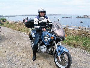 息抜きしませんか? コーヒーさん  オイラは日曜日久しぶりに  銚子までランチを兼ねて灯台まで  行って来ました 波も車