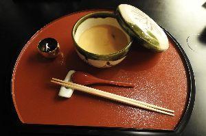 美味しいって、幸せですよね。 吉翠亭  白御飯、御粥、黍御飯の3種類からお選びいただける当店の朝食のお勧めは、「御粥」です。 御粥
