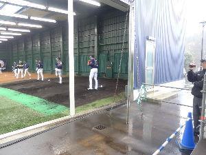 数人のための繋ぎスレ 10月13日(日) 楽天vs オリックス 4-10 比嘉と岸田で投球開始、続いて戸田と大山が始めるが、最初に上がったのは大山だった。 雨のせいか、投げな