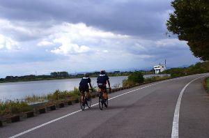 50歳以上の集会所で語らいを 茨城、埼玉、栃木の3県が かかわる渡良瀬遊水地 今回は中央エントランスから入る 谷中湖北岸は平日にも