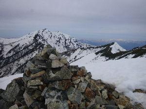 外来受付です 連休は娘の山デビューで角田山や、仲間と巻機山や北アルプス爺が岳に登っていました。  エアロビも特別レ