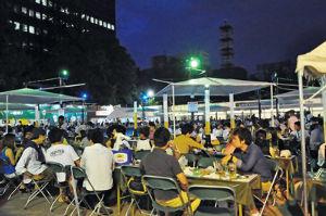 おまけの人生 札幌大通り公園。夏の最後のイベント。 野外ビアガーデンは今夜が最終日・・・・