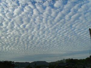 カルマンギアの情報交換いかがですか 秋の風 天空いっぱいのウロコ雲