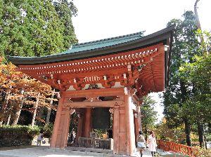昔、昔、旅行をしました。そんな思い出ですよ。 これは、比叡山延暦寺かな。  比叡山は古代より「大山咋神(おおやまくいのかみ)」が鎮座する神山として