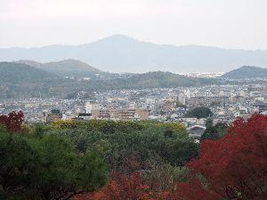 昔、昔、旅行をしました。そんな思い出ですよ。 これは、比叡山かな。   比叡山(ひえいざん)とは、滋賀県大津市西部と京都府京都市北東部にまたがる山