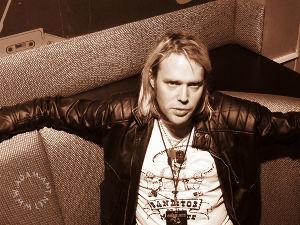 『アダムの王国』 アダムのバックバンドメンバーでギタリストのTom Edwardsがアメリカ公演のツアー中に心不全で亡