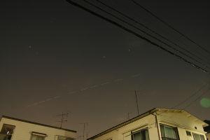 星景写真仲間 皆さんお早う御座います、昨日は夕方まで雨が降り隣の三鷹市ではTVニユースの通りヒヨウも降りとてもIS