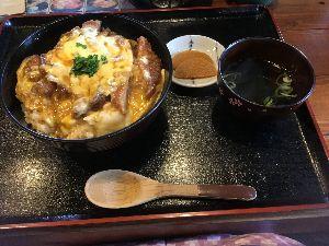 ☆ひとりごと~!☆ 相変わらず暑い日が続いてますね(-_-;)  チーズカツ丼でスタミナつけました(^_^)