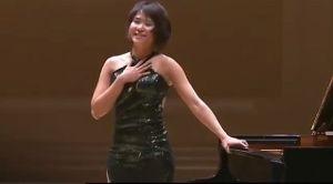 競馬で稼ぎ、つづけらりるれろ、か。 激しくて敏捷で 繊細で心深くて   Yuja Wang - Encores (5回も)  https
