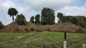 天孫降臨と神武東征 前方後円墳遠景  7642の沼島遠景とそっくり。
