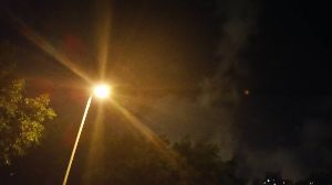 香港在住の46歳の女性ですが、日本人の友達が欲しいです さっき近所の屋台へ行きまして、綺麗な夜空と涼しい夜に癒されました。