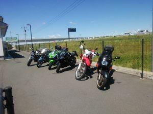 千葉県発!バイク遊びしませんか? 久しぶりのツーリング♪ 本日は6人6台のメンバーとマシンが集まりました♪